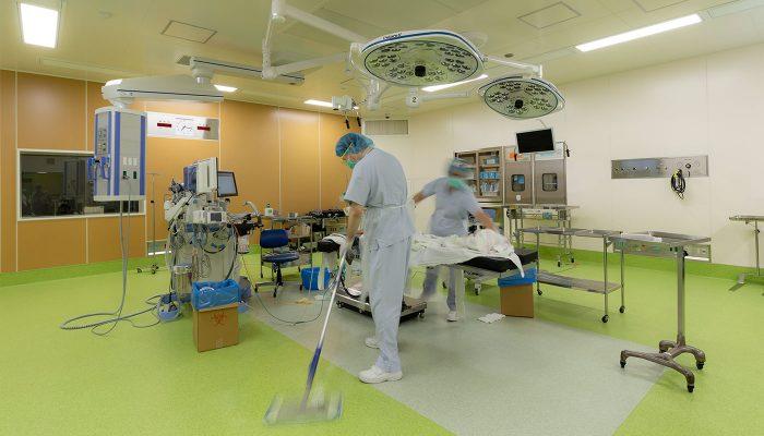 手術室清掃の様子
